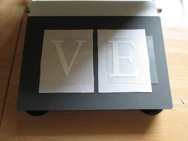 HappyFlex Weiß Buchstaben auf Stoff in der HappyPress